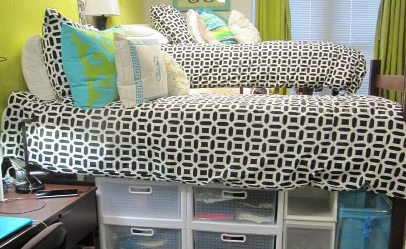 10 tips to save space in your ksu dorm room society19 - Space saving tips for your dorm room ...